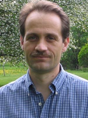 Daniel Grosu