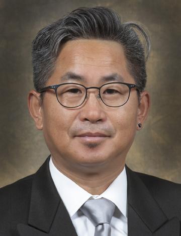 Shunbin Xu