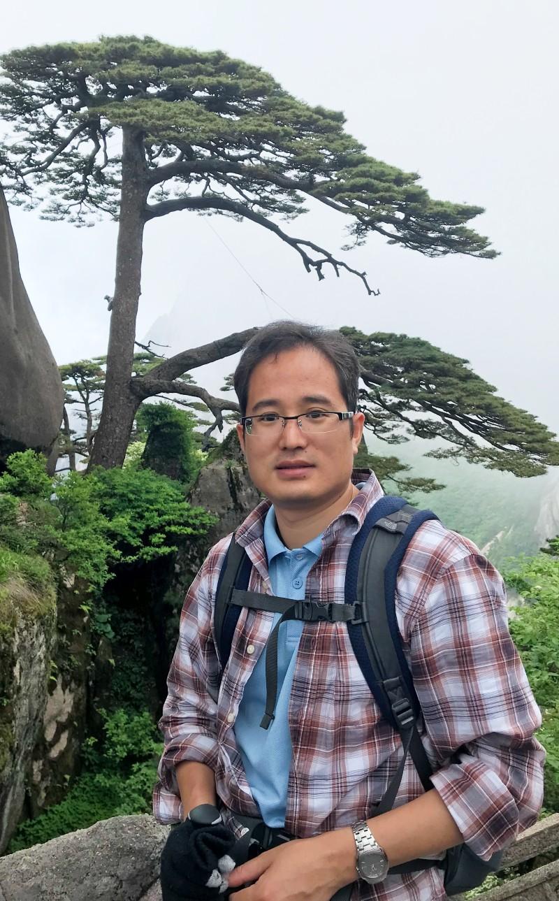 Zhijiang Lu